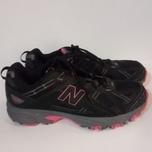 Womans New Balance 411 all terrain size 11